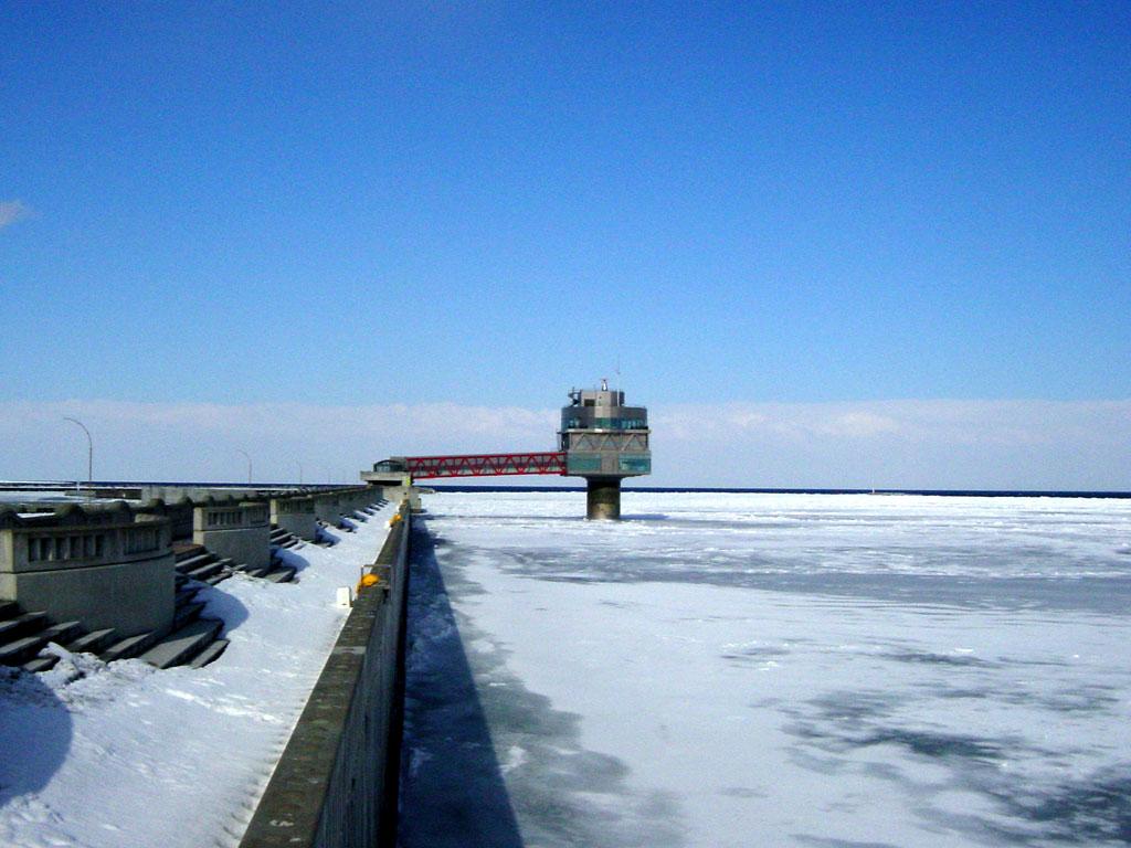 流氷とオホーツクタワー
