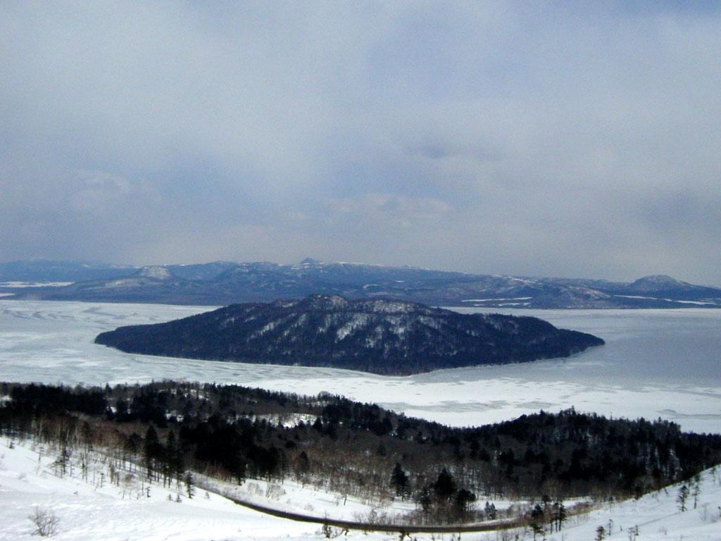 屈斜路湖(美幌峠より)